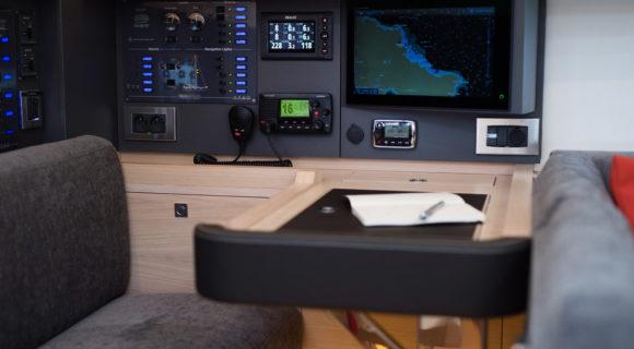 Reportage photographique sur le navire AMEL 50 à Belle-île-en-mer. Détails intérieur du navire.©Jean-Sébastien EVRARD pour ILAGO juillet 2017.0681653729